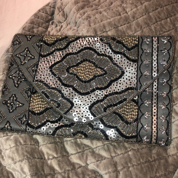 Steve Madden Handbags - Embroidered clutch